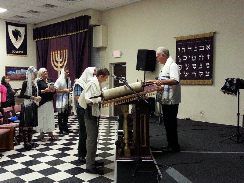 20140726 Micah reading his Torah portion Maseei - 3rd anni